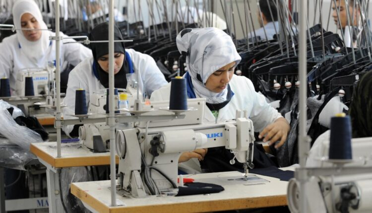 HCP: More Than Half of Moroccans Exercise Jobs without an Employment Contract